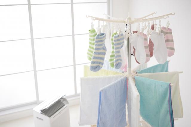 漂白剤は正しく使えば、靴下や靴にこびりついてしまったイヤな足の臭いを改善することができます。足の臭い対策としては靴 や靴下の臭いを抑えることも大切なのです。